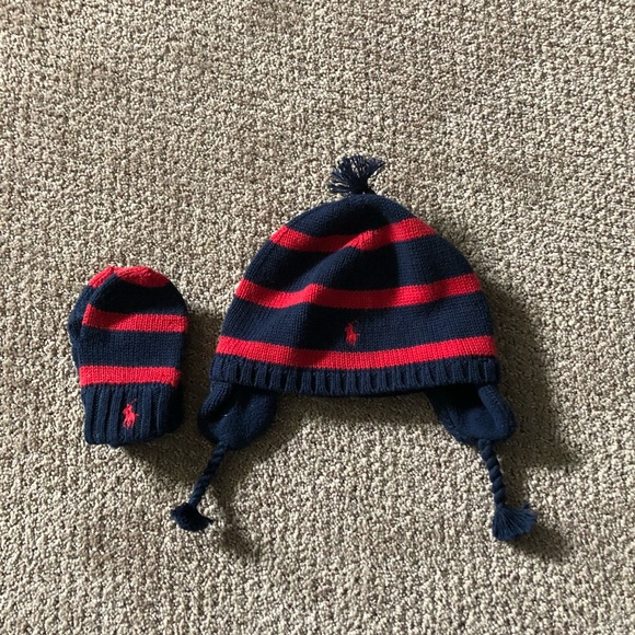 Ralph Lauren Hat and Mittens set. M 5ab6a6a9daa8f609da8c495a 94ee259525b